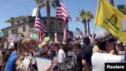 ԱՄՆ - Սահմանափակումները վերացնելու պահանջով ցույց Կալիֆորնիայի Սան Դիեգո քաղաքում, 26-ը ապրիլի, 2020թ.