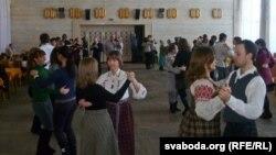 Народныя танцы ў Магілёве, люты 2012
