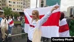 Ольга Жадеева, которая пишет о белорусской моде, на акции протеста