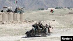 Афганські спецпризначенці в районі Ачин провінції Нанґаргар, де триває операція проти бойовиків «Ісламської держави», фото 14 квітня 2017 року