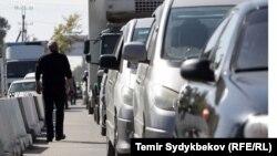 Пограничный переход на границе Казахстана и Кыргызстана.