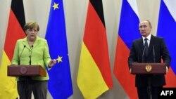 Канцлер Германии Ангела Меркель и президент России Владимир Путин. Сочи, 2 мая 2017 года.