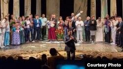 Gənc Tamaşaçılar Teatrının Kollektivi Kalmıkiyada