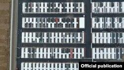Тошкент вилоятида контейнерлардан қурилган карантин лагери. Фото Қурилиш вазирлигиники.