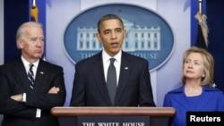 Barack Obama, Joe Biden, Hillary Clinton 2010-cu ildə