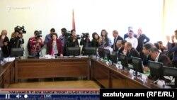 «Լուսավոր Հայաստան»-ը որոշել է բոյկոտել Վանաձորի ավագանու նիստերը