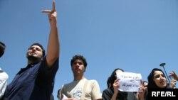 کميته «تهران ۲۰۰۷» که در ایتالیا تشکیل شده از دانشجویان ایرانی حمایت می کند.