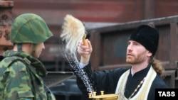 """Пока российских военнослужащих окормляют """"штатские"""" священники. В дальнейшем должны появиться специальные, военные."""