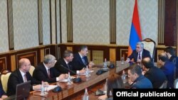 Armenia -- President Serzh Sarkisian hosts consultations on traffic cameras and paid parking services, 2Nov, 2016
