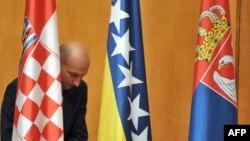 Zastave Hrvatske, BiH i Srbije