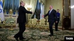 Россия. Премьер-министр Израиля Беньямин Нетаньяху и президент России Владимир Путин в Кремле. Москва, 07.06.2016