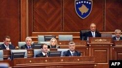 Kryeministri Hashim Thaçi në Parlament (Foto nga arkivi)