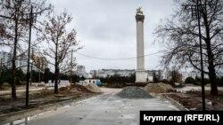 Реконструкция аллеи у обелиска Георгия Победоносца в парке Победы
