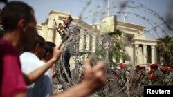Египет с площади уходить не собирается