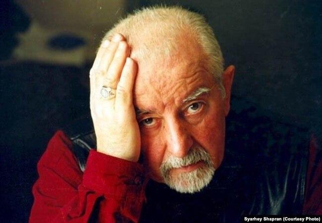 Рыгор Барадулін, фота Сяргея Шапрана