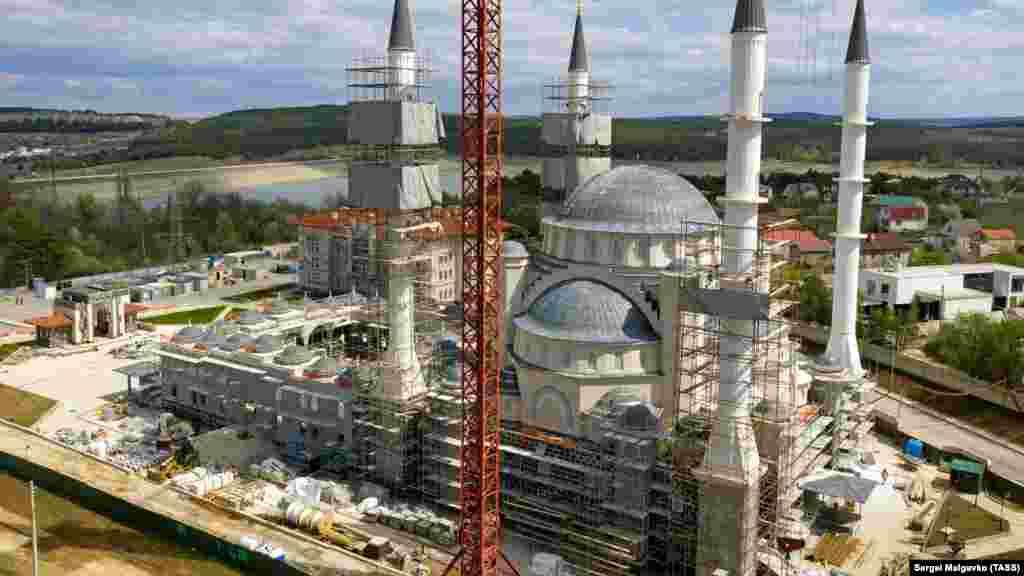 Er bir minare 58 metrlik