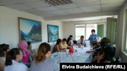 Собрание мигрантов из Кыргызстана в Турции.