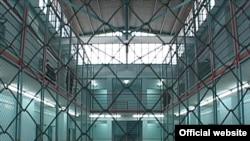 Руководитель НПО «42-я статья Конституции» Тамар Габисония говорит, что такие условия содержания заключенных идут вразрез со всеми международными нормами