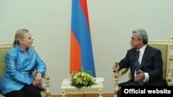 Встреча президента Армении Сержа Саргсяна с госсекретарем США Хиллари Клинтон, Ереван, 4 июня 2012 г.