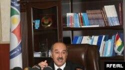 الدكتور شوان محمد عزيز وزير حقوق الانسان في حكومة اقليم كردستان العراق في مؤتمر صحفي عقده في مبنى الوزارة ب اربيل يوم الثلاثاء