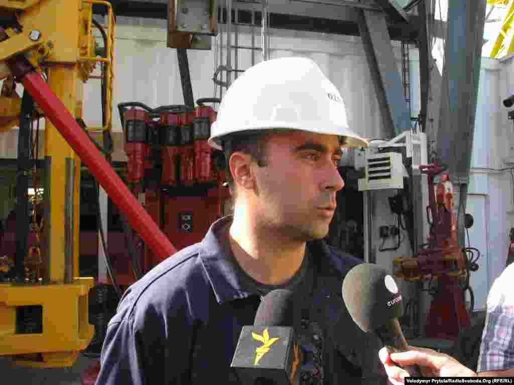 Начальник бурової Ігор Левицький високо оцінює можливості нової установки.