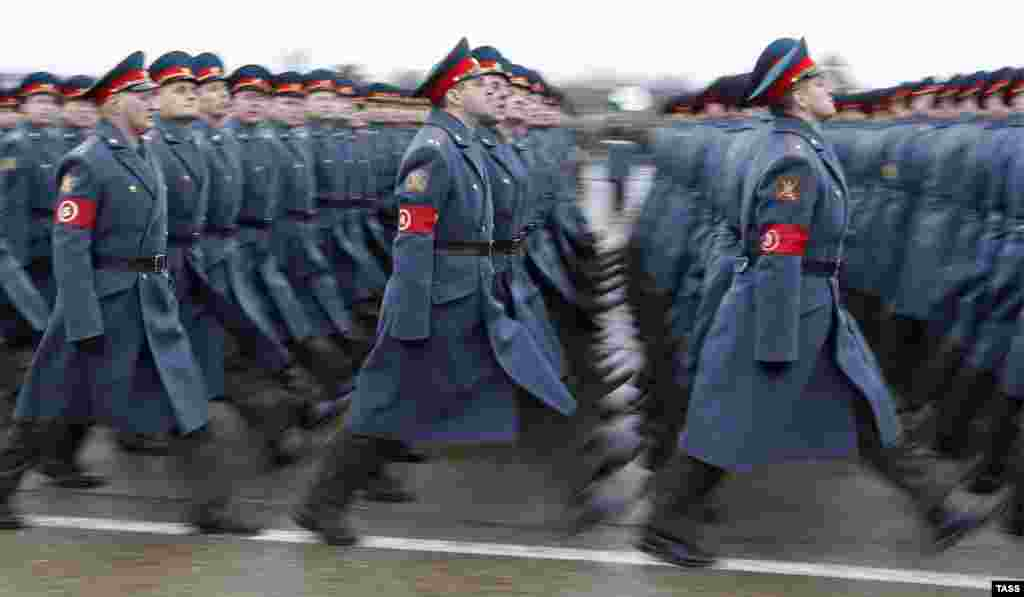 Russian soldiers march during a rehearsal of the May 9 Victory Day Parade in Alabino, outside Moscow. (ITAR-TASS/Mikhail Dzhaparidze)