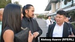 Режиссер Рустем Абдрашев (справа) представит в секции «Особый показ» свой фильм «Казахское ханство. Алмазный меч». Алматы, 24 сентября 2016 года.