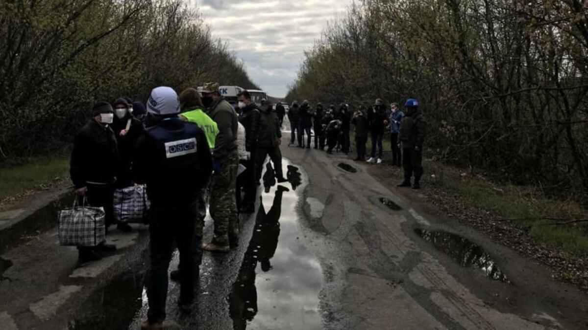 Денисова обнародовала фото первых освобожденных в ходе обмена украинцев