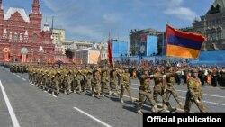 Erməni hərbçilər Moskvada hərbi paradda - 2015