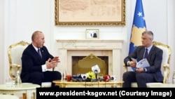 Kryeministri Ramush Haradinaj dhe presidenti, Hashim Thaçi. Foto nga arkivi.