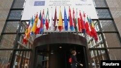 """Politika proširenja je u ovoj fazi suštinski """"klinički mrtva"""" (Foto: Ulaz u sedište Saveta EU)"""