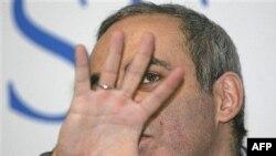 Чемпиона мира по шахматам, кандидата Каспарова в избирательных бюллетенях на выборах президента России не будет