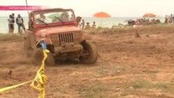 """""""Трасса - огонь"""": на Иссык-Куле прошел фестиваль гонок по бездорожью"""