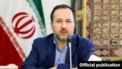 احسان ارکانی میگوید مشکل ایران ناشی از تحریمهای آمریکاست.