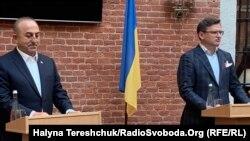 Міністр закордонних справ Туреччини Мевлют Чавушоглу у Львові під час робочої зустрічі з українським колегою Дмитром Кулебою, 7 жовтня 2021 року