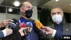 Ռուսաստան - Մոսկվա ժամանած Իրանի արտգործնախարար Հոսեյն Ամիր Աբդոլահիանը զրուցում է լրագրողների հետ, 5-ը հոկտեմբերի, 2021թ․