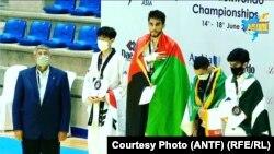 محسن رضایی تکواندو کار افغان که قهرمانی۲۴مین دور رقابتهای آسیا شد.