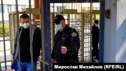 Делян Пеевски на входа на ДАНС