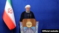 سخنرانی روحانی در روز یکشنبه در مراسم افطار گروهی از اساتید دانشگاه و پزشکان