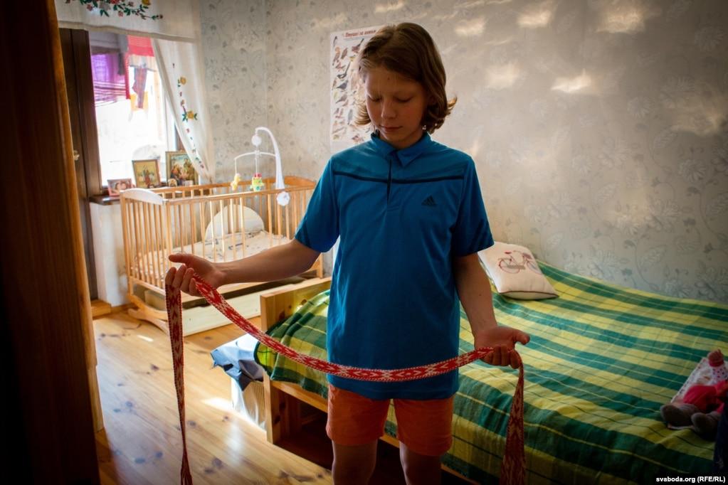 Кожнаму на выпіску з радзільнага дома набывалі свой традыцыйны пояс