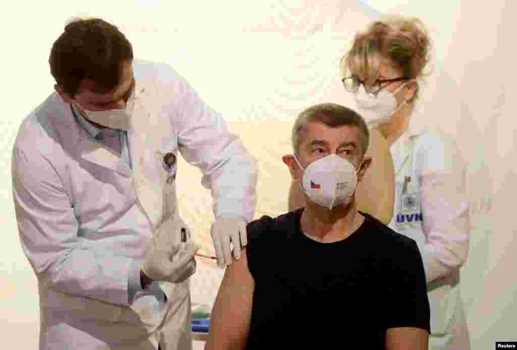 Andrej Babis cseh miniszterelnök már tavaly, 2020. december 27-én megkapta aPfizer-BioNTech oltását.