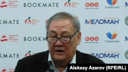 Писатель и поэт Бахытжан Канапьянов.