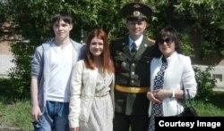 Володимир з Павлом, дружиною і донькою