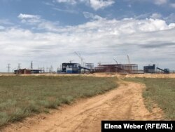 Ескі Жәйрем кентіндегі қорғасын байыту фабрикасының құрылысы. Қарағанды облысы, 20 мамыр 2019 жыл.