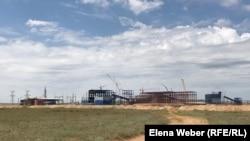 Строительство свинцовой обогатительной фабрики в поселке Старый Жайрем, Карагандинская область, 20 мая 2019 года.