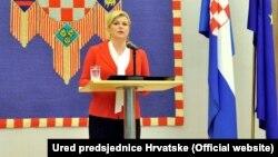 """Izmeštanjem ploče sa natpisom """"Za dom spremni"""" smirili smo strasti, ali sigurno je da će se rasprava nastaviti: Kolinda Grabar Kitarović"""