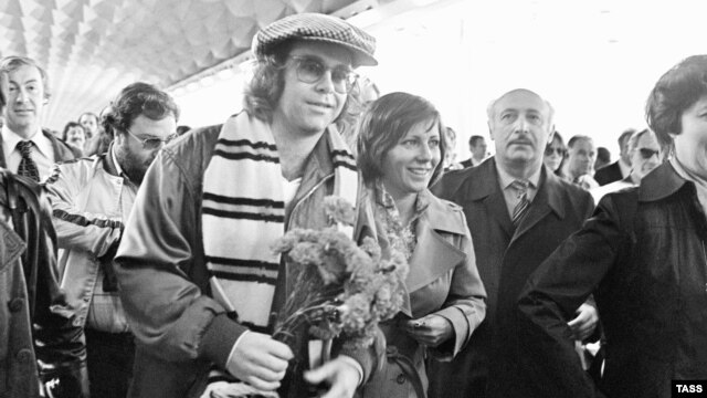 Elton John in Leningrad during his first trip to the U.S.S.R. in 1979.