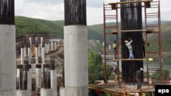 Ndërtimi i autostradës