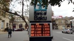 Ticarətçi: 'Banklara gedirəm, deyirlər, yoxdur. Təkcə birində dedilər ki, 100 dollar verə bilərik'