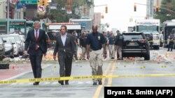 Guverner i gradonačelnik Njujorka Andrew Cuomo i Bill de Blasio dolaze na mesto gde se dogodila eksplozija, 18. septembar